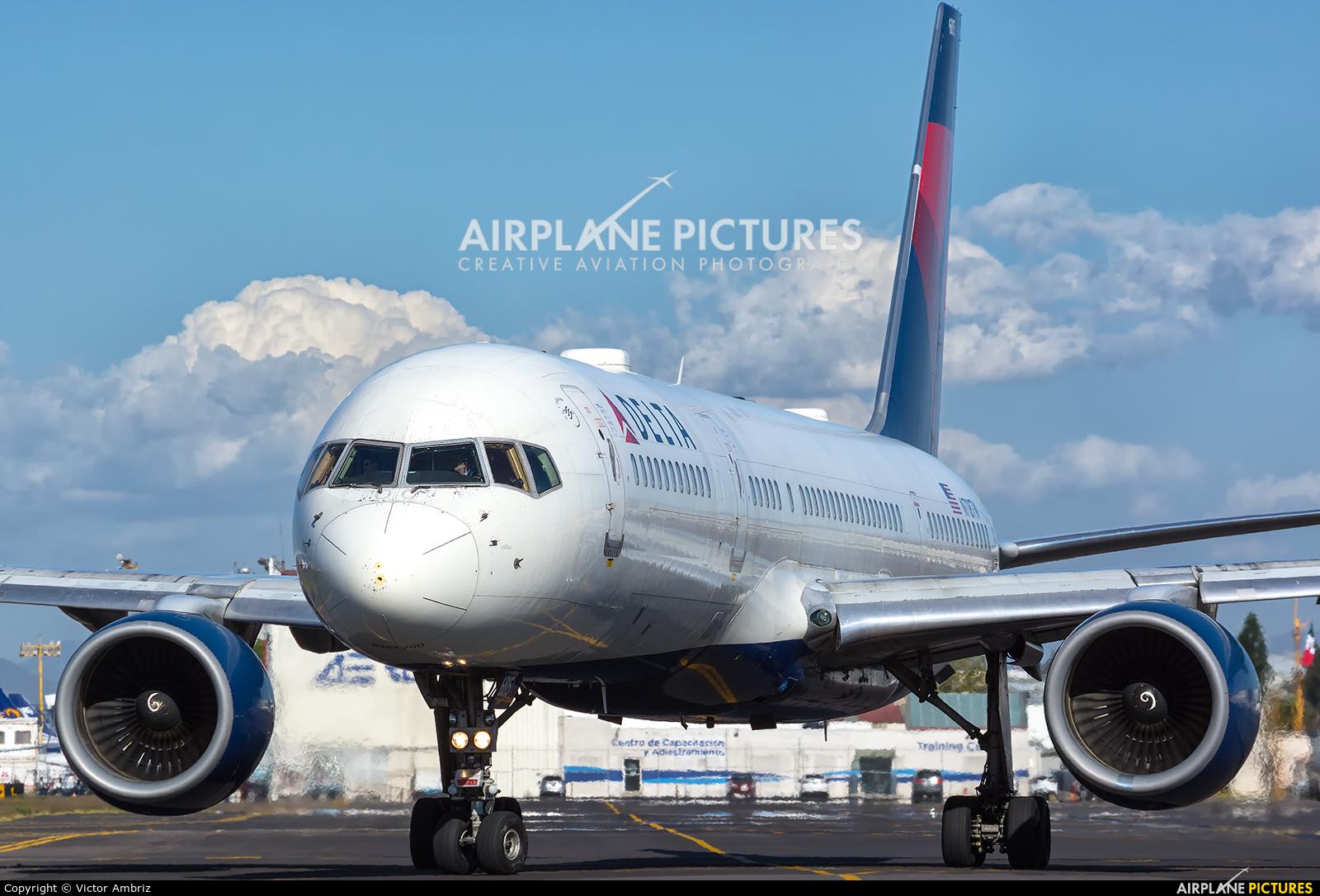 Delta Air Lines N718TW aircraft at Mexico City - Licenciado Benito Juarez Intl