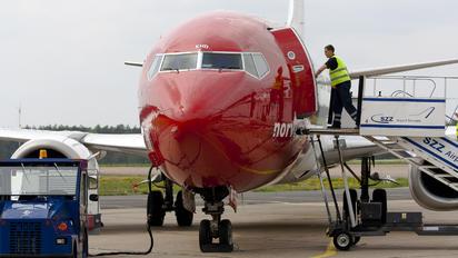 LN-KHB - Norwegian Air Shuttle Boeing 737-300