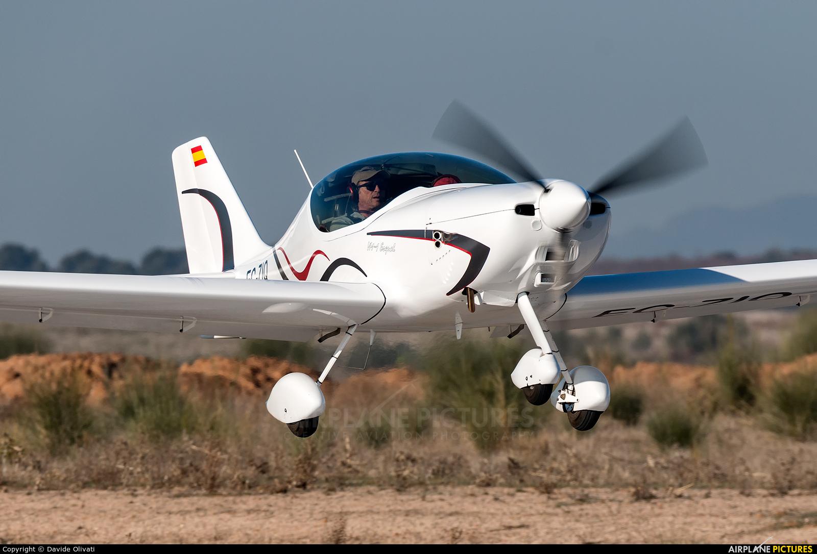 Private EC-ZIQ aircraft at Casarrubios del Monte