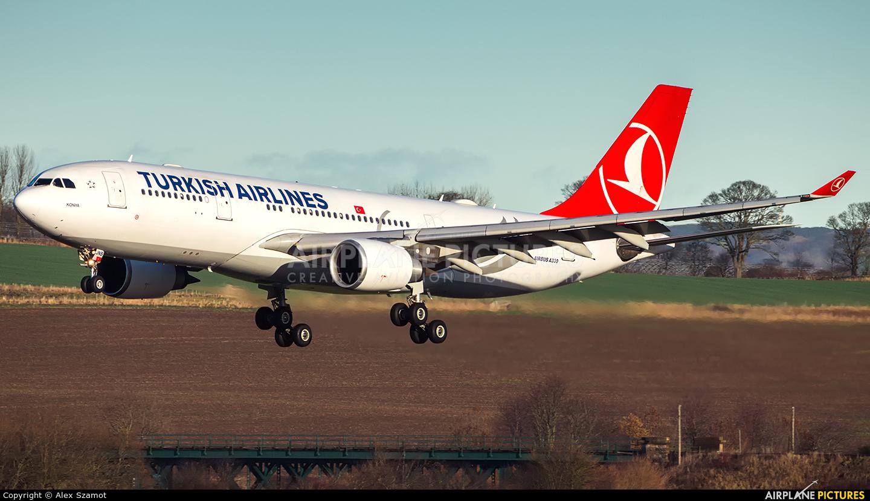 Turkish Airlines TC-JNB aircraft at Edinburgh