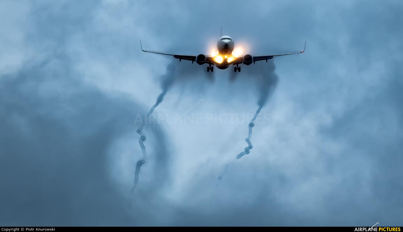 Turkish Airlines TC-JHT aircraft at Frankfurt