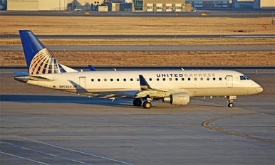 N85354 - United Express Embraer ERJ-175 (170-200)