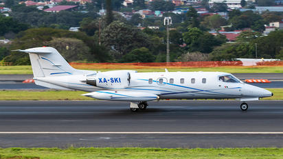 XA-SKI - Private Learjet 35 R-35A