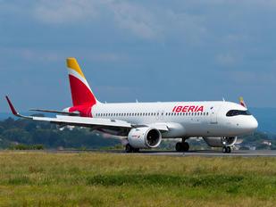 EC-MXY - Iberia Airbus A320 NEO