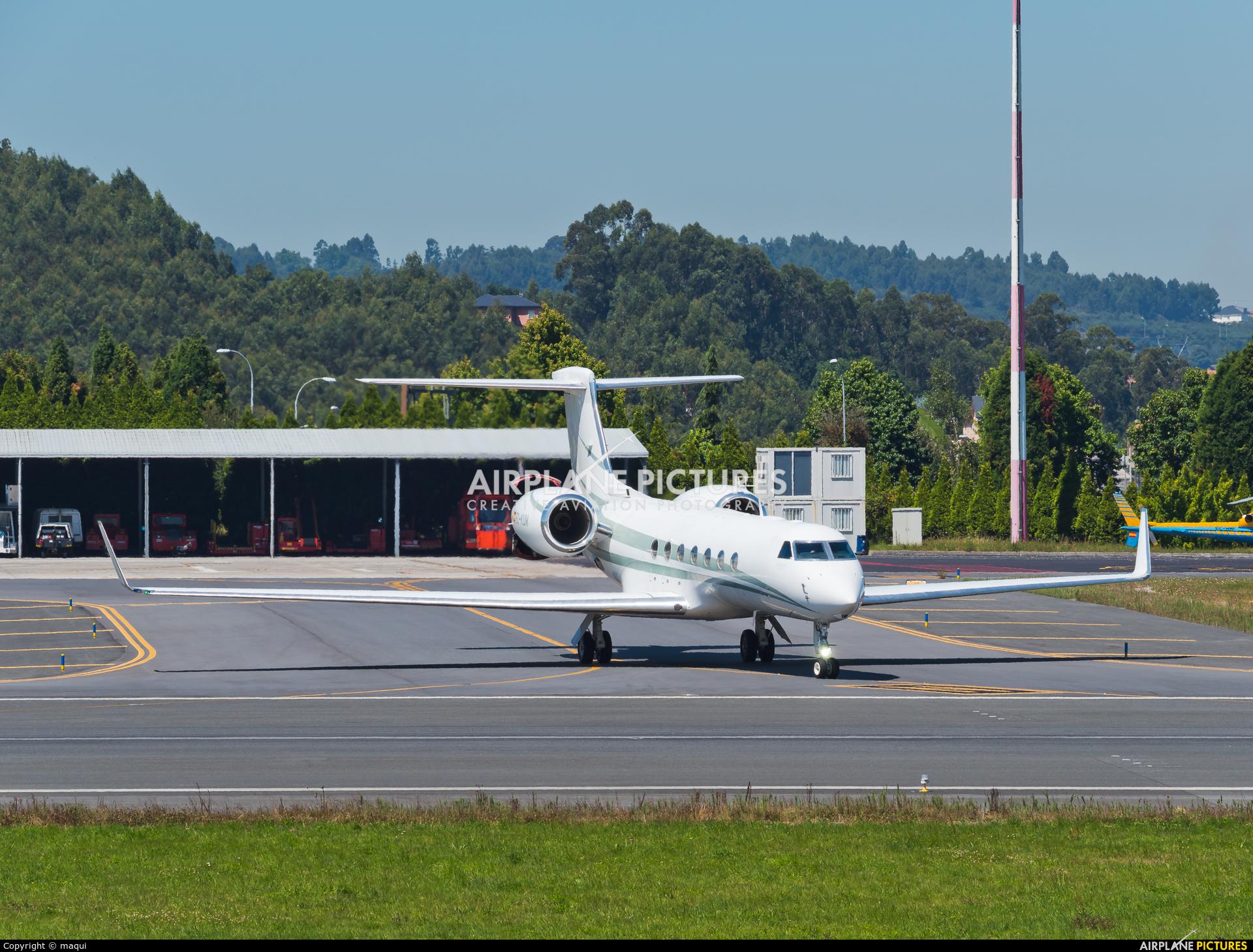 Gestair EC-KUM aircraft at La Coruña