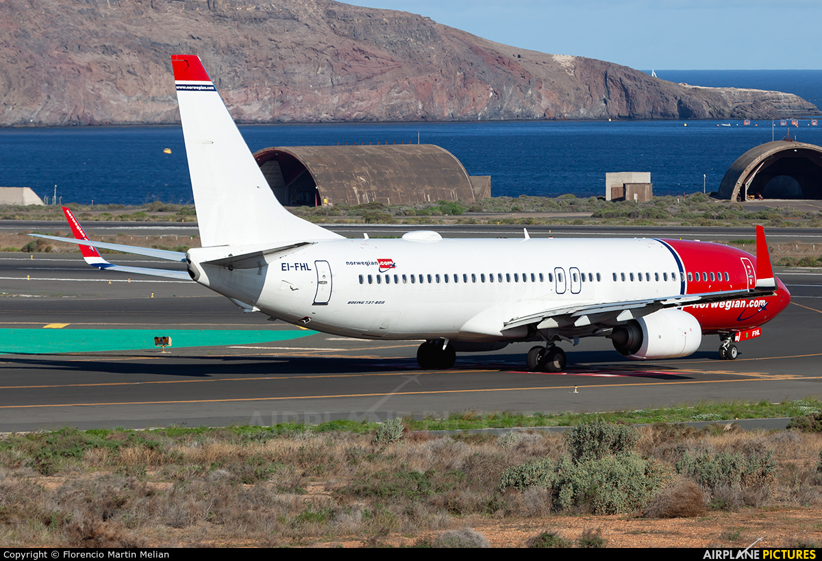 Norwegian Air International EI-FHL aircraft at Aeropuerto de Gran Canaria