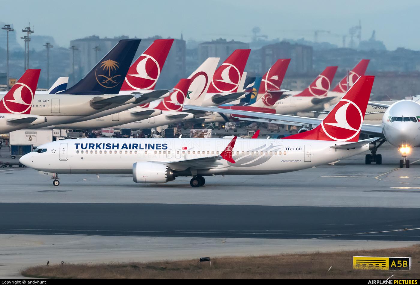 Turkish Airlines TC-LCD aircraft at Istanbul - Ataturk
