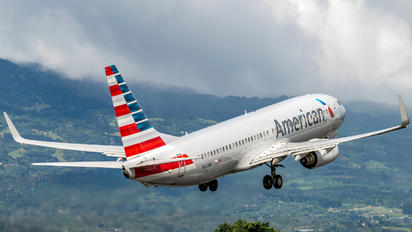 N872NN - American Airlines Boeing 737-800