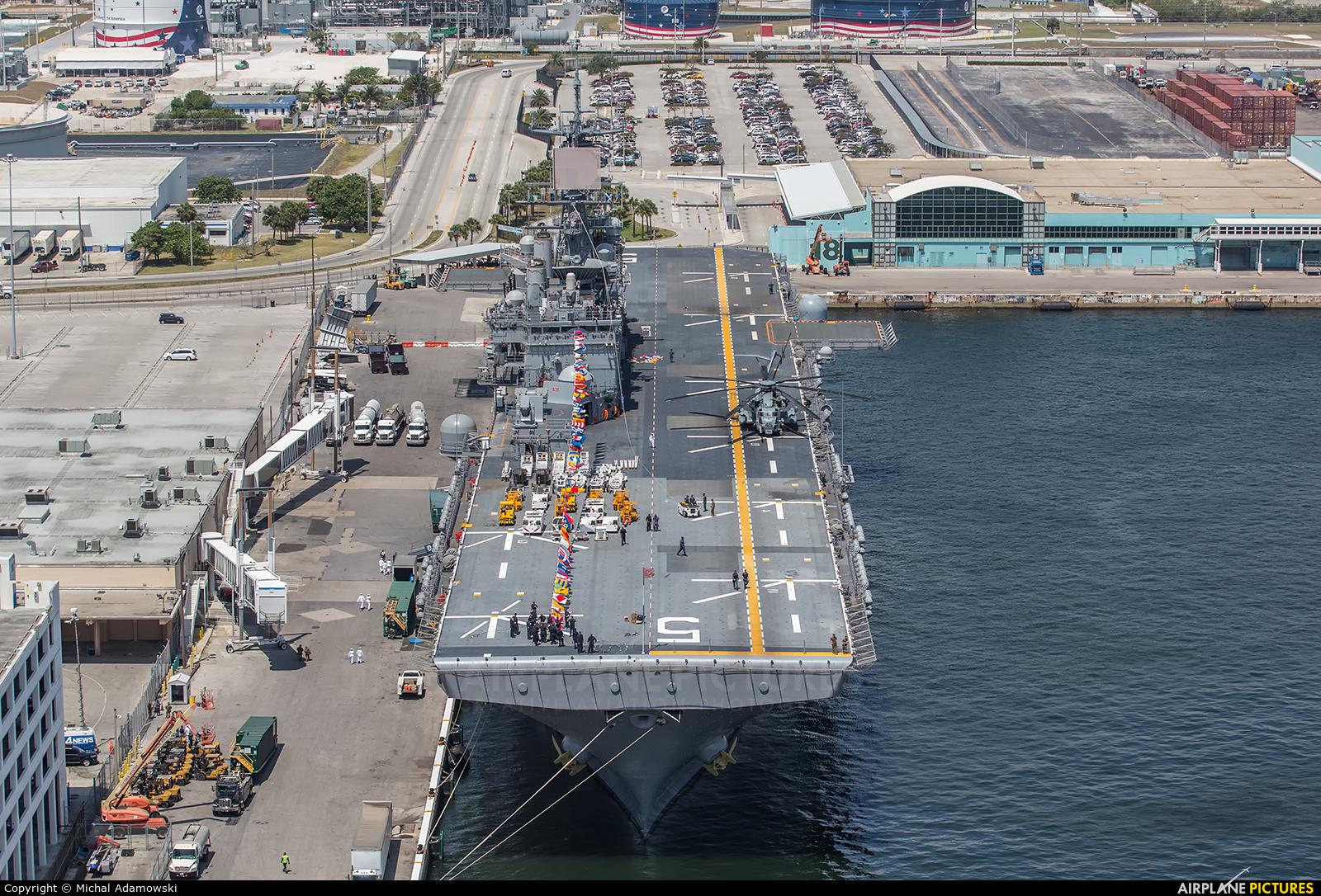 USA - Navy - aircraft at Off Airport - Florida