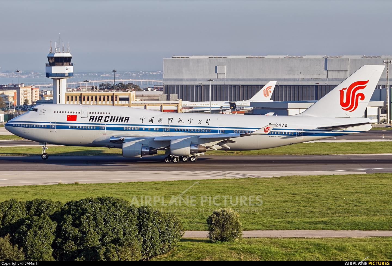 Air China B-2472 aircraft at Lisbon