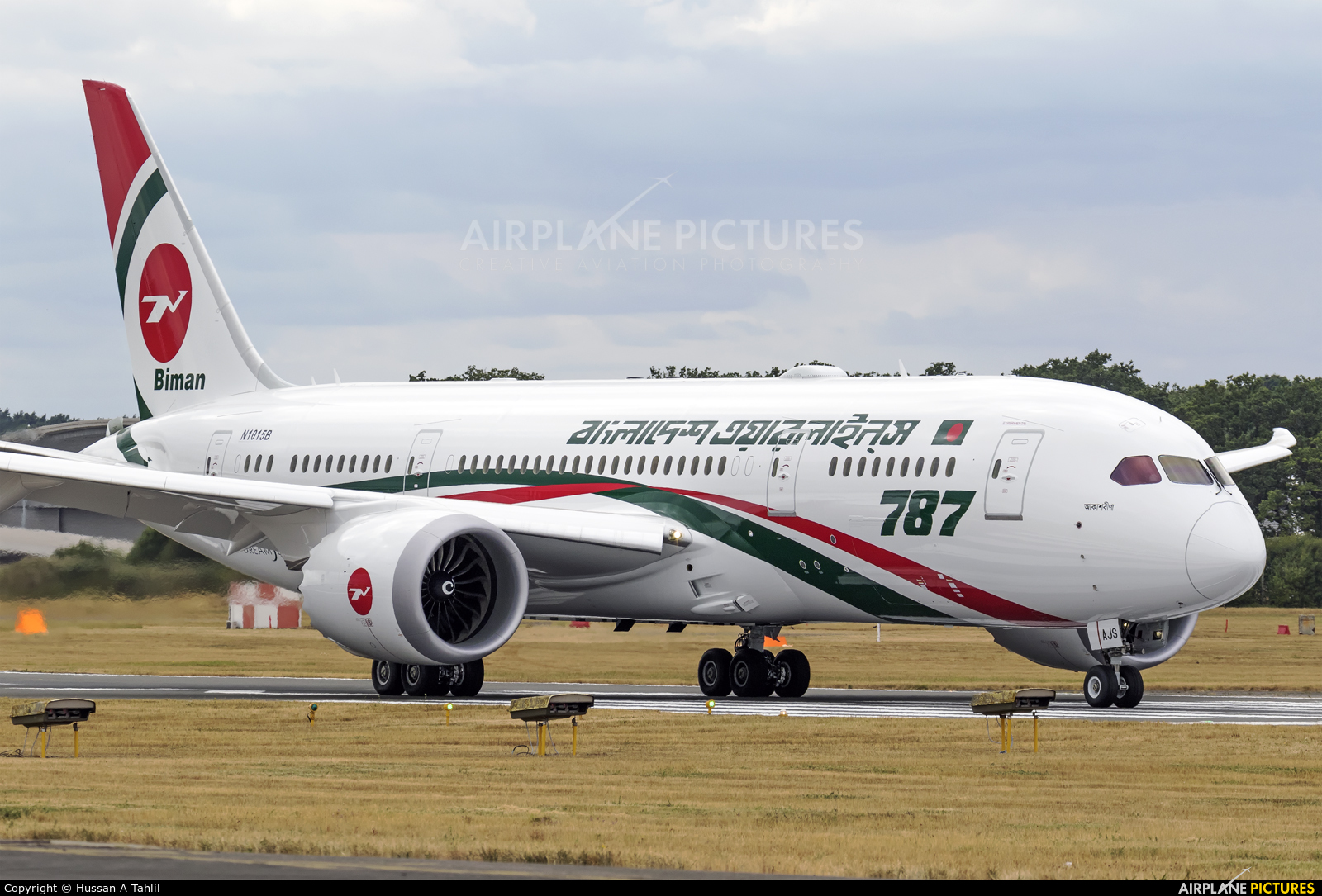 Biman Bangladesh S2-AJS aircraft at Farnborough