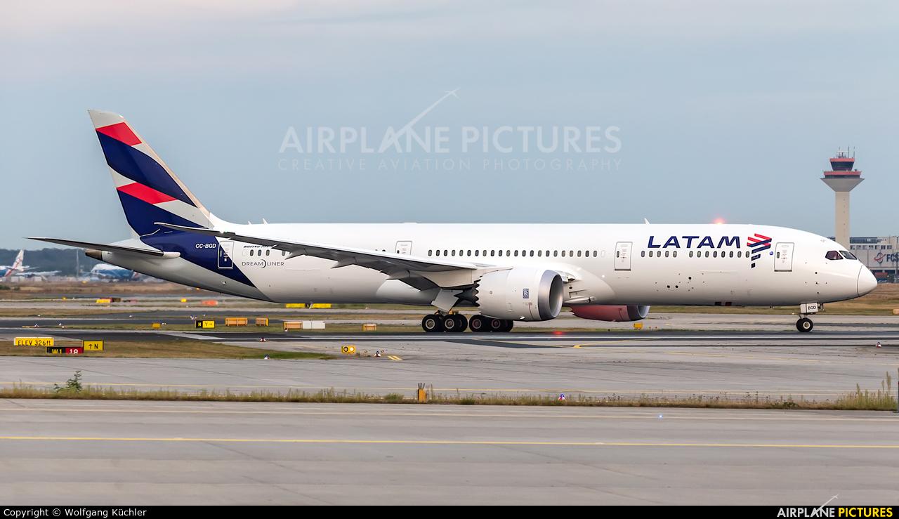 LATAM CC-BGD aircraft at Frankfurt