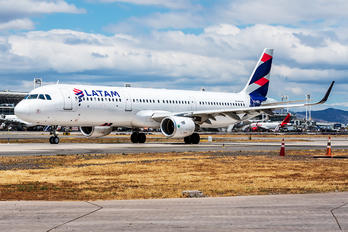 CC-BEN - LATAM Airbus A321