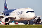 LV-FUX - LAN Argentina Airbus A320 aircraft