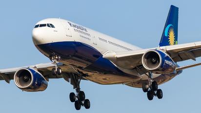 9XR-WN - RwandAir Airbus A330-200