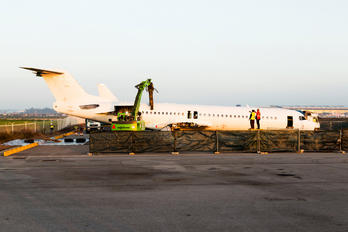 CS-TPB - PGA Portugalia Fokker 100