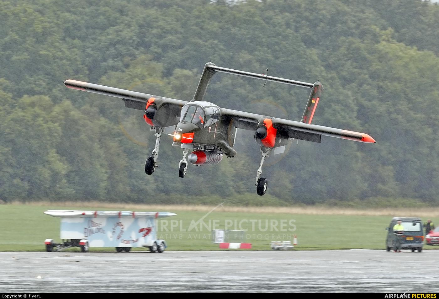Private 99+18 aircraft at Dunsfold