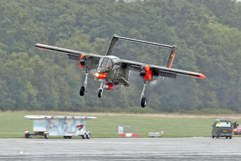 99+18 - Private North American OV-10 Bronco