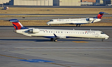 N821SK - Delta Connection - SkyWest Airlines Canadair CL-600 CRJ-900