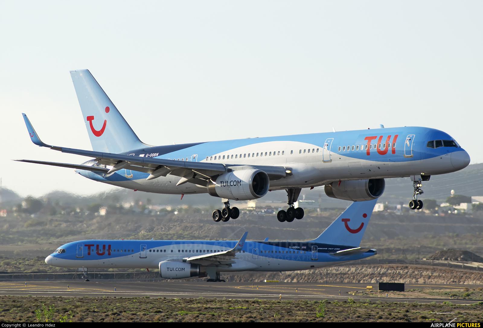TUI Airways G-OOBN aircraft at Tenerife Sur - Reina Sofia