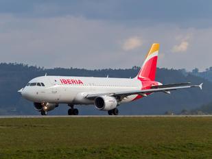 EC-IZR - Iberia Airbus A320