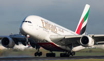 Emirates Airlines A6-EOT image