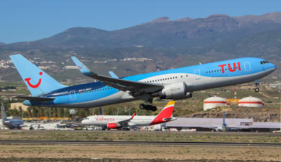 G-OBYF - TUI Airways Boeing 767-300ER