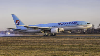 HL7574 - Korean Air Boeing 777-200