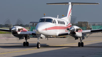 SP-RPW - Private Beechcraft 200 King Air
