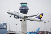 D-AIUU - Lufthansa Airbus A320 aircraft