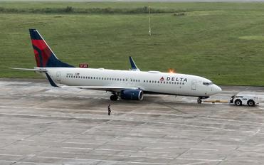 N3753 - Delta Air Lines Boeing 737-800