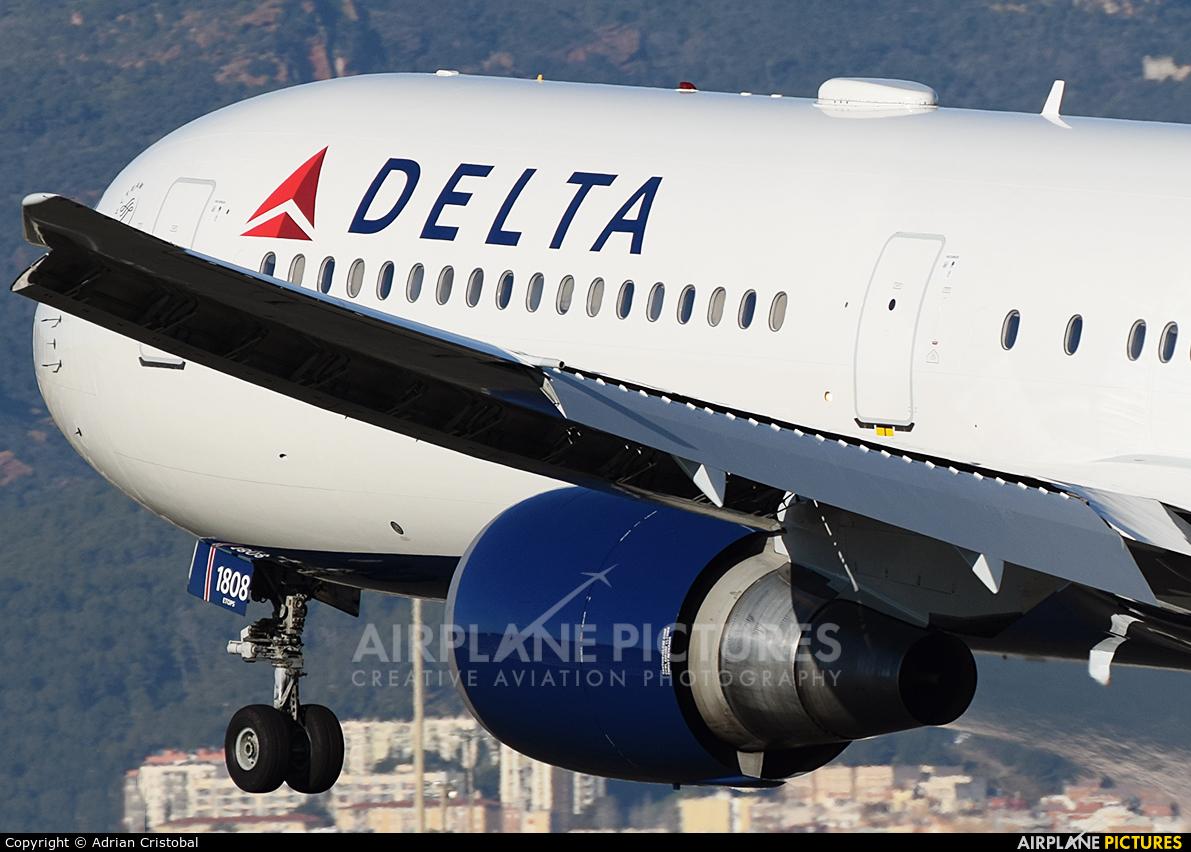 Delta Air Lines N832MH aircraft at Barcelona - El Prat