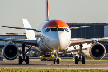 G-EZBY - easyJet Airbus A319