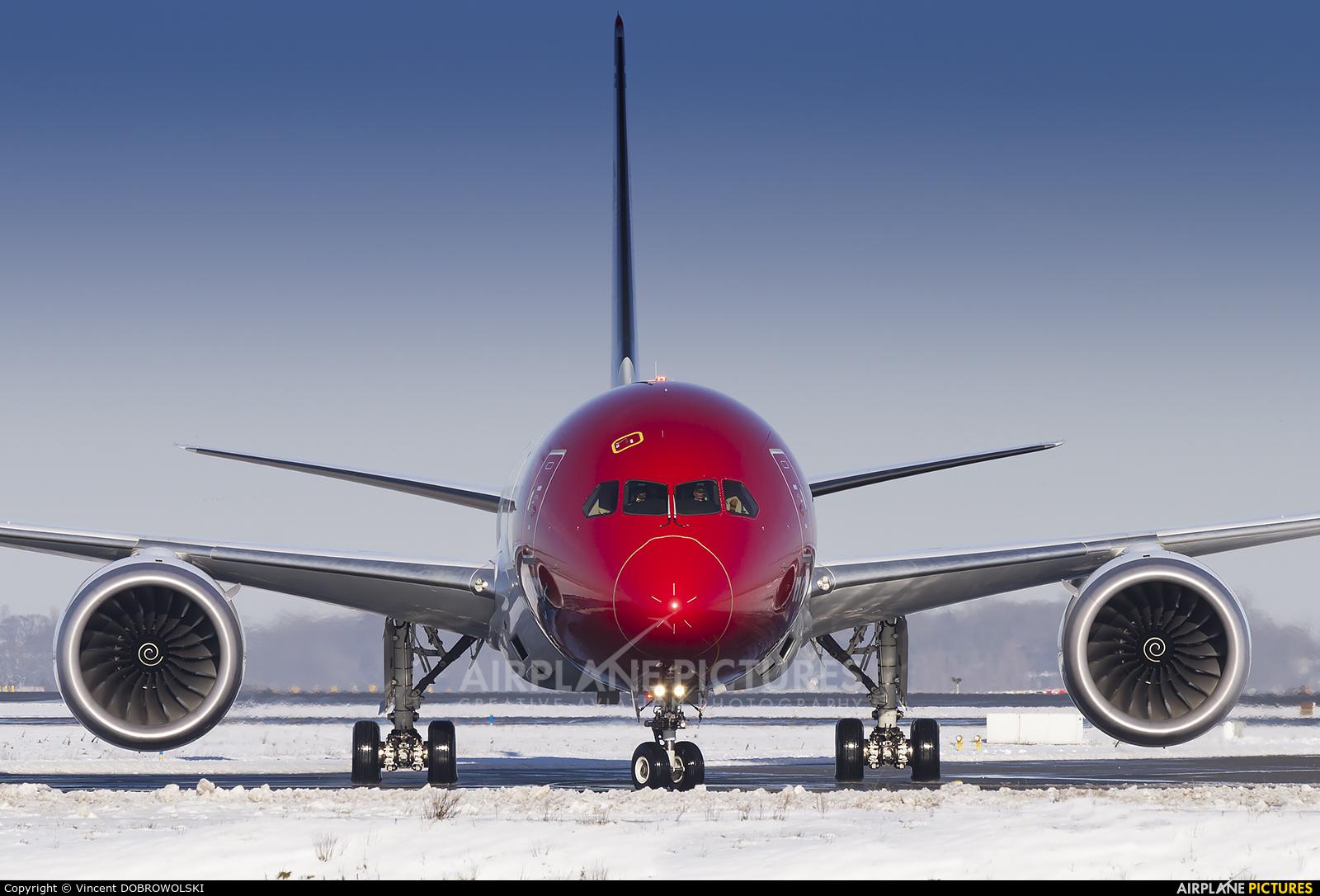 Norwegian Air International LN-LNL aircraft at Paris - Charles de Gaulle