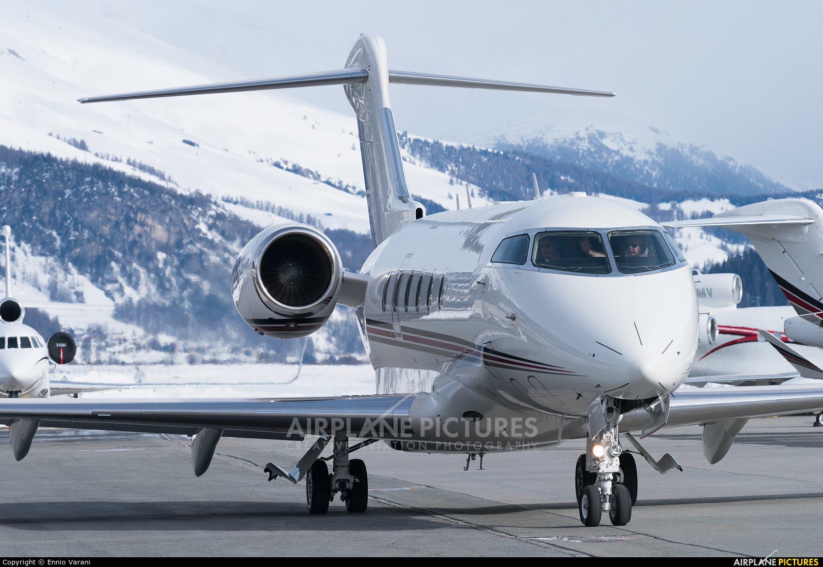 NetJets Europe (Portugal) CS-CHC aircraft at Samedan - Engadin