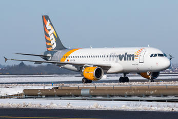 OO-TCX - VLM Airlines Airbus A320