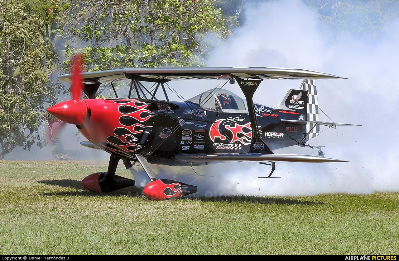 Skip Stewart Airshows N540SS aircraft at Iztapa