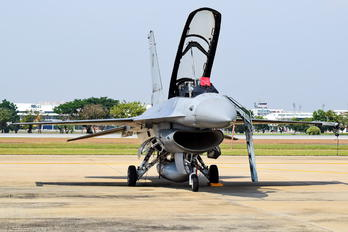 KH19K-20/38 - Thailand - Air Force General Dynamics F-16B Fighting Falcon