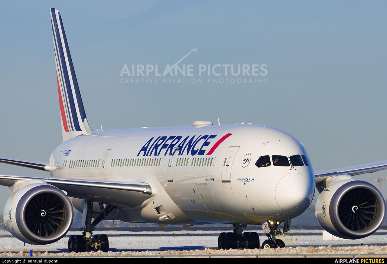 Air France F-HRBD aircraft at Paris - Charles de Gaulle