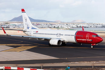 LN-DYV - Norwegian Air Shuttle Boeing 737-800