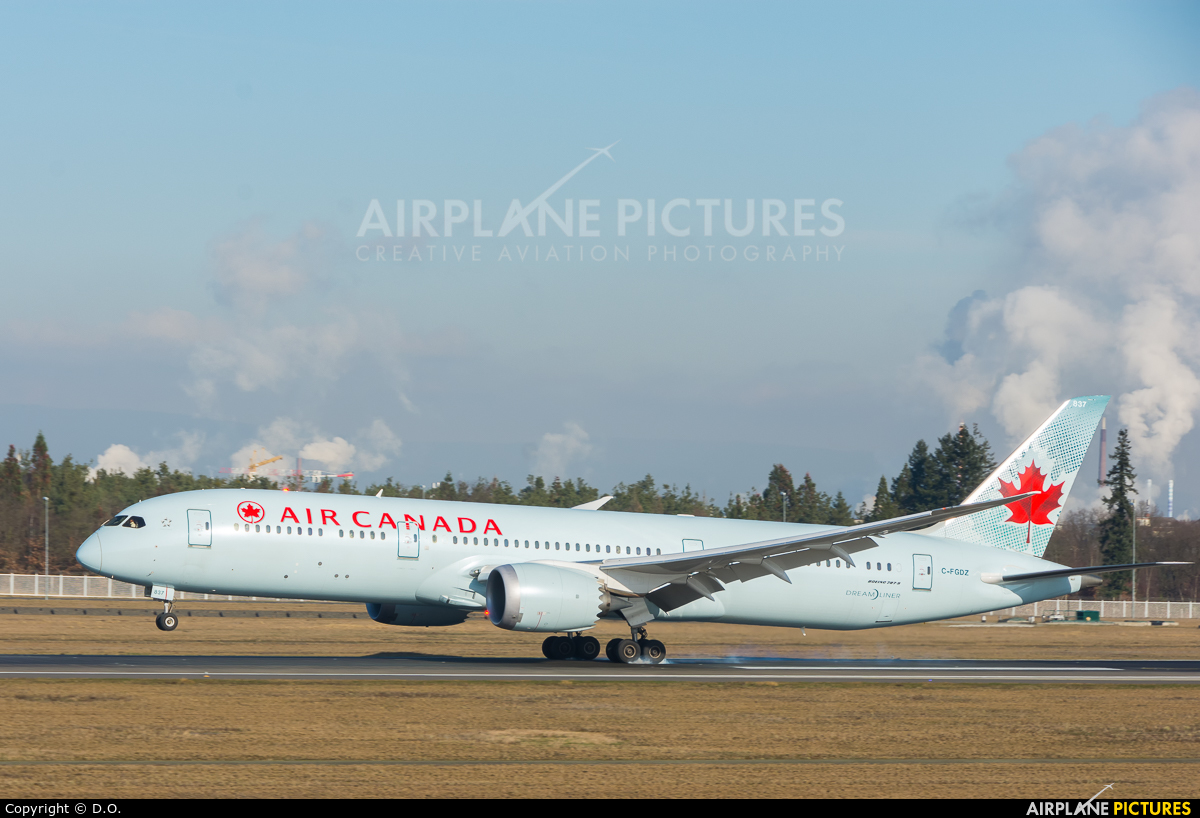 Air Canada C-FGDZ aircraft at Frankfurt