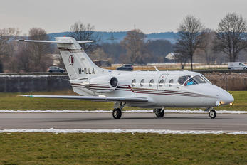 M-ILLA - Private Beechcraft 400XP Beechjet