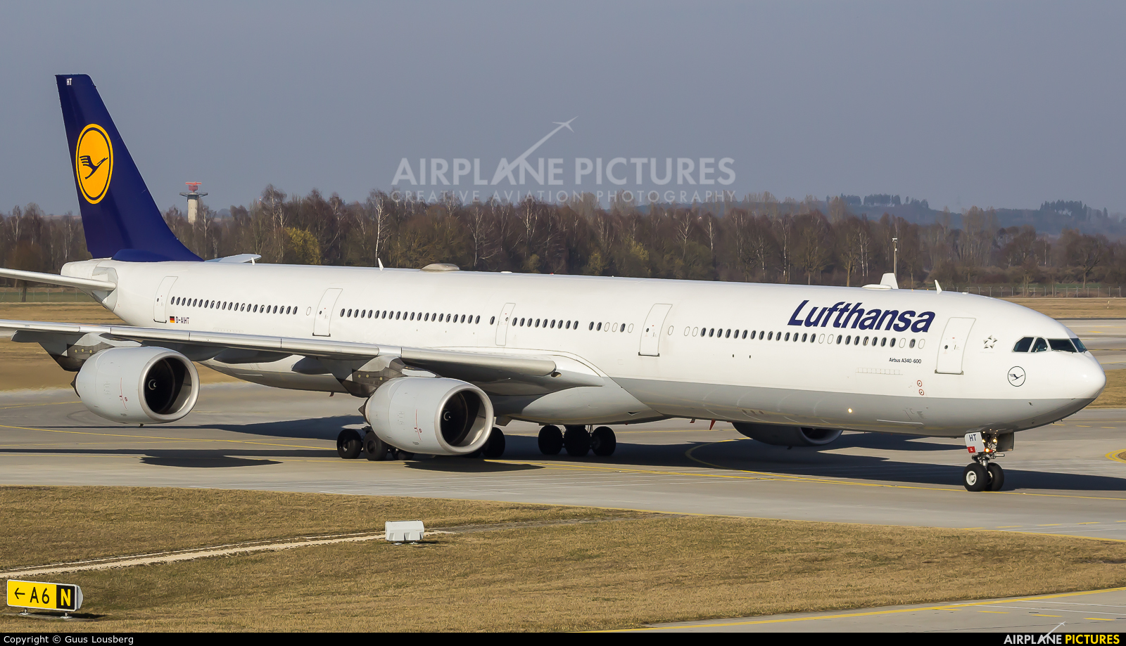 Lufthansa D-AIHT aircraft at Munich