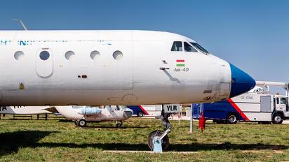 HA-YLR - Hungary - Government Yakovlev Yak-40