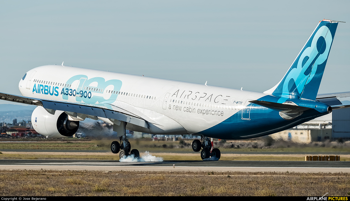 Airbus Industrie F-WTTE aircraft at Seville - San Pablo