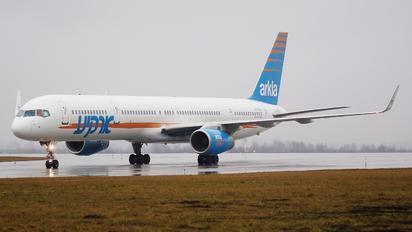 4X-BAW - Arkia Boeing 757-300