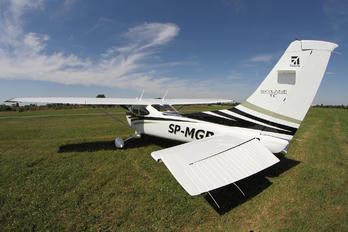 SP-MGB - Private Cessna 182T Skylane