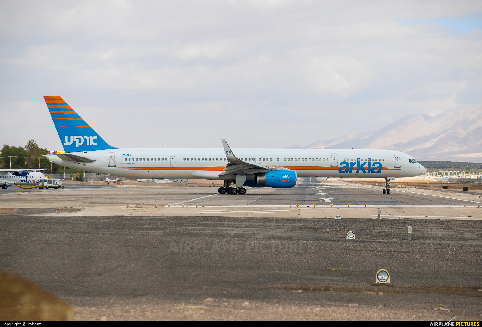 Arkia 4X-BAU aircraft at Eilat - J. Hozman
