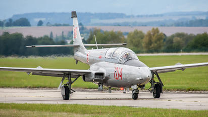 1214 - Private PZL TS-11 Iskra