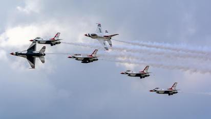 87-0319 - USA - Air Force : Thunderbirds General Dynamics F-16C Fighting Falcon